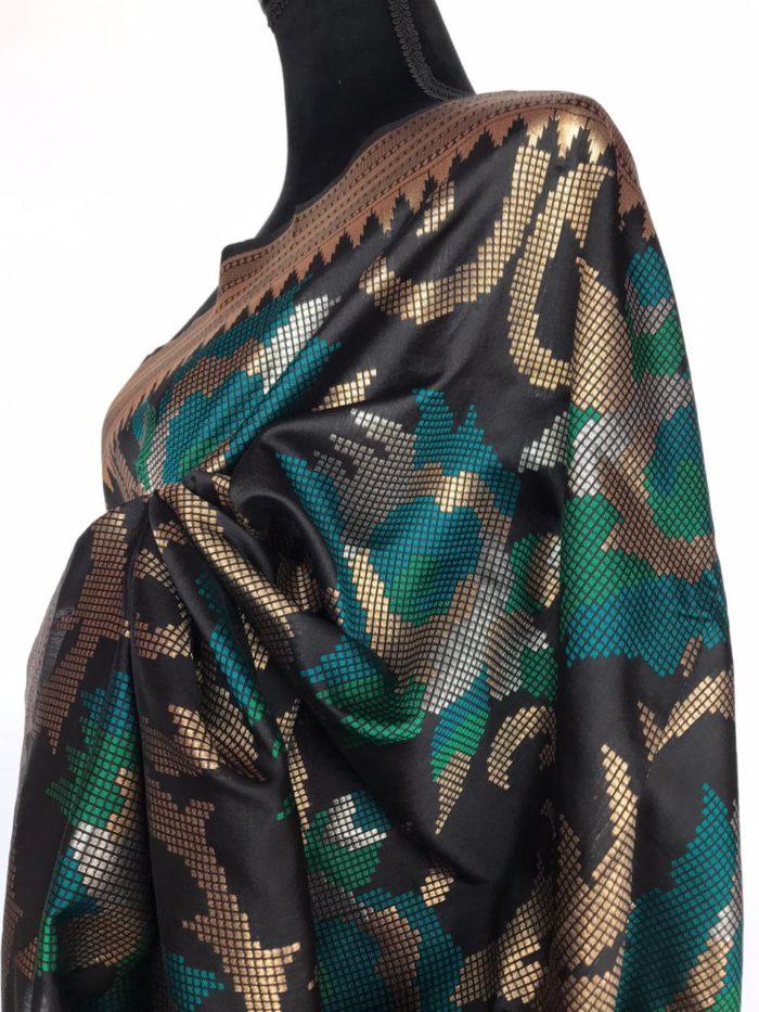 Black Banarasi Silk Saree with Beautiful Zari Weaves