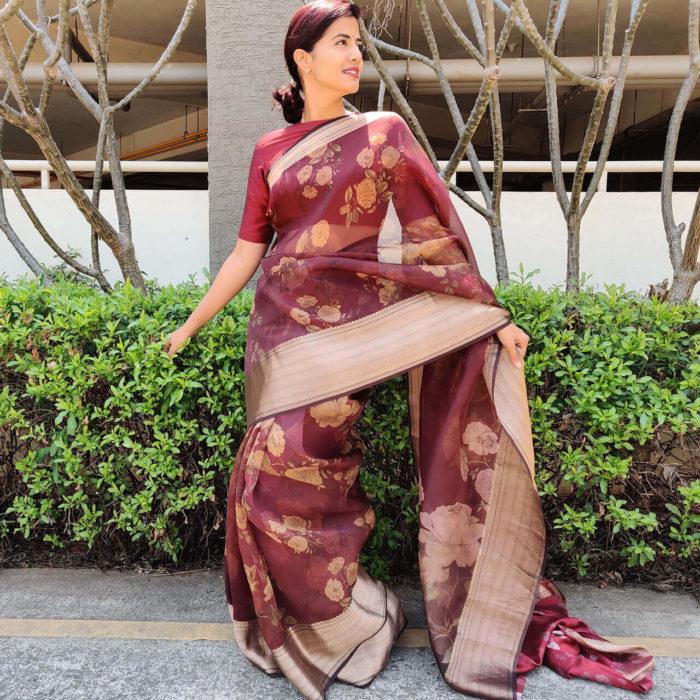 Maroon Pure Organza Saree with Beautiful Prints along with Kanchi Zari Border