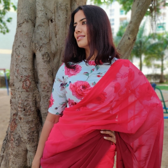 Strawberry Pink Dual Shaded Georgette Saree with Stitched Blouse