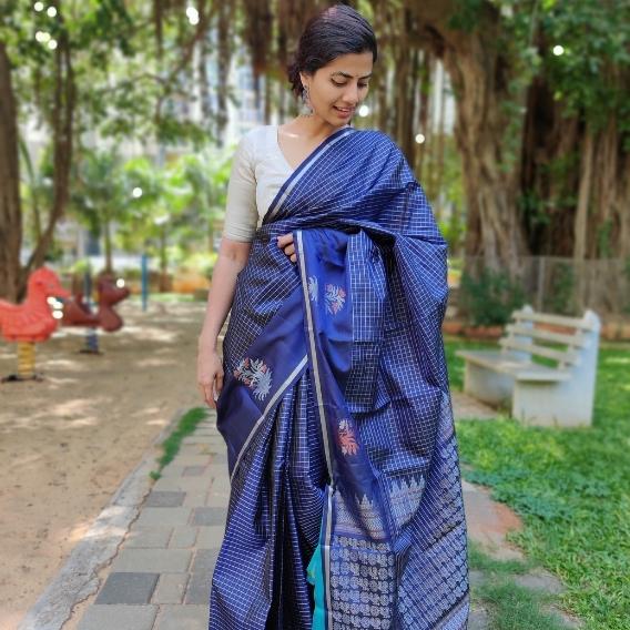 Navyblue Kanjivaram Silk Saree with Silver Zari Checks and Zari Motifs
